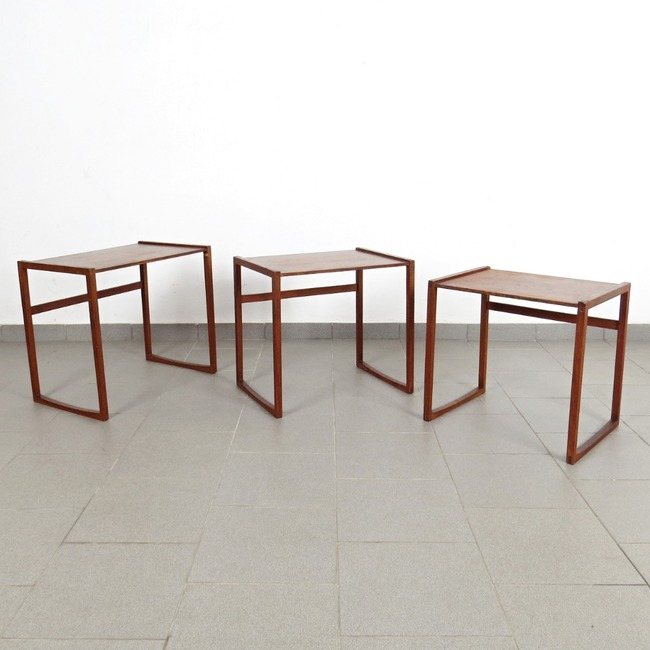 Nesting tables - 3 pieces